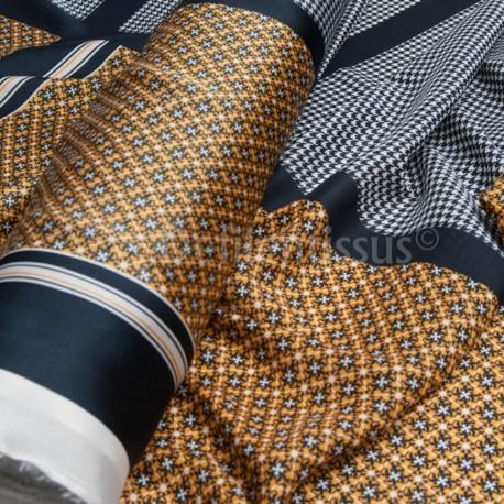 Polyester façon carré H..... en 150cm