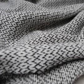 Au mètre maille tricot blanc cassé noir en 130cm n°921