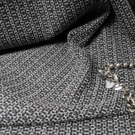 Coupon Jacquard noir et blanc 2m30 en 150cm n°10199