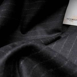 Au mètre Pure laine HERMES noir fine rayure craie en 160cm n°10216