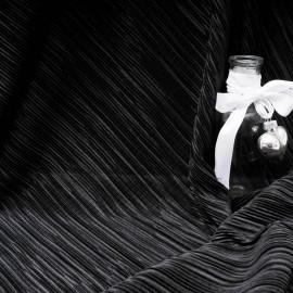 Au mètre fin tissu plissé noir en 145cm n°10220