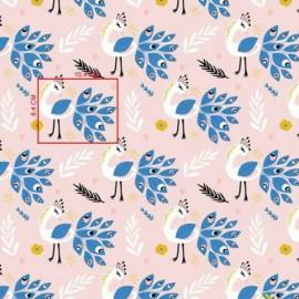 Coton OEKO TEX paon bleu et blanc fond rose en 160cm