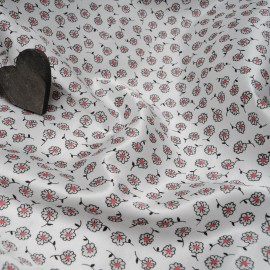 Au mètre satin polyester et Coton, (doublé flanelle) blanc à fleur rouge et noire en 150cm n°10413