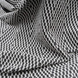 Au mètre maille Jacquard polyester en damiers gris clair et noir en 160cm n°10537