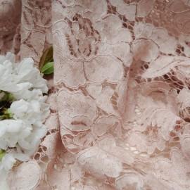 Au mètre superbe dentelle rose non stretch en 145cm n°10547