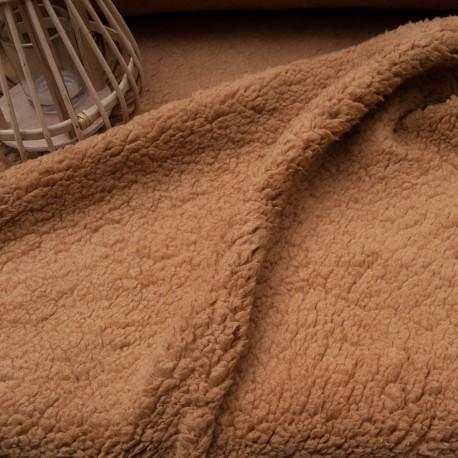 Au mètre tissu Teddy Caramel imitation fourrure mouton en 150cm