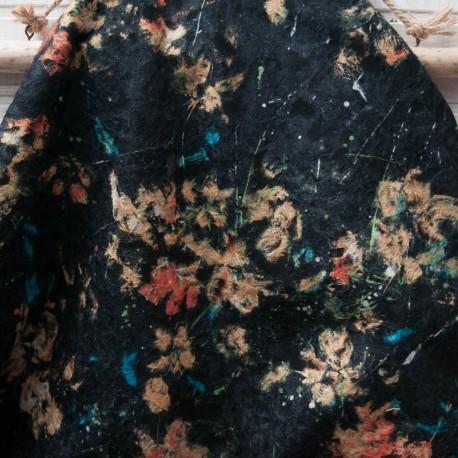 Au mètre laine bouillie noire motif floral incrusté en 145cm n°10731