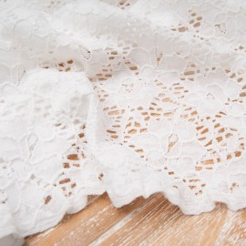 Au mètre dentelle stretch écrue polyester et polyamide en 150cm
